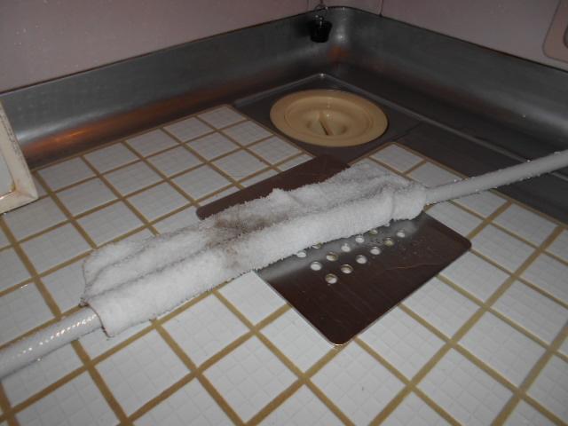 シャワーホースカビ取り湿布中