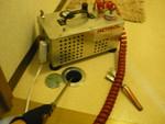 配管点検口内へ薬剤噴霧