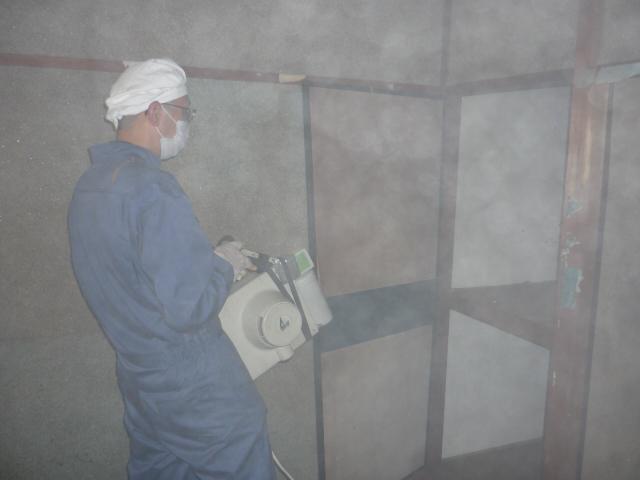 孤独死後の殺菌消臭剤噴霧2