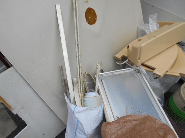 トイレ解体作業3