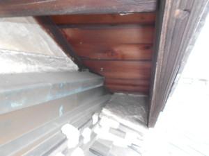 M市屋根の隙間2