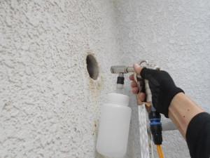 壁内の殺菌施工1